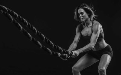 8 Battle Ropes Moves That Blast Your Abs, Shoulders, and Back